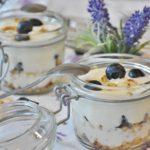 yogurt with granola