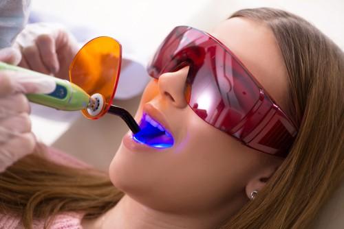 woman gets dental filling